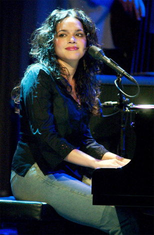 NORAH JONES PERFORMS AT HARD ROCK JOINT IN LAS VEGAS