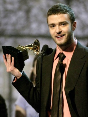 JUSTIN TIMBERLAKE ACCEPTS GRAMMY FOR BEST MALE POP PERFORMANCE