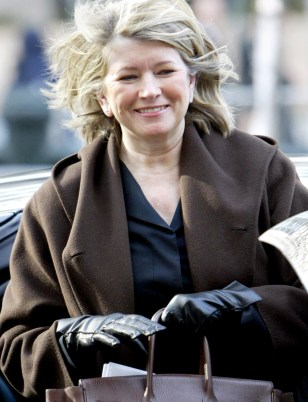 MARTHA STEWART ARRIVES AT NEW YORK COURT FOR SECURITIES FRAUD HEARING