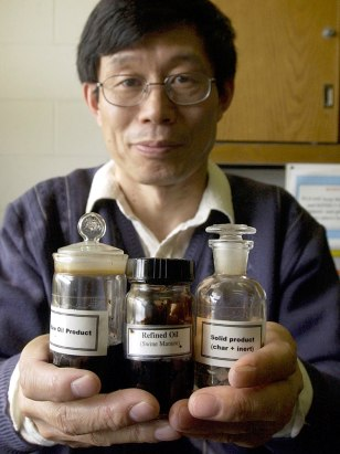 Image: Zhang and oil samples