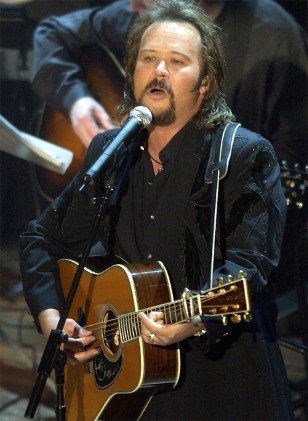 TRAVIS TRITT SINGS TRIBUTE TO JOHNNY CASH