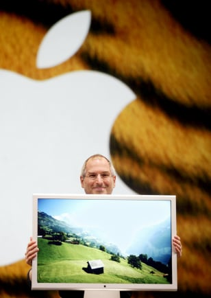 Jobs shows off 30-inch display