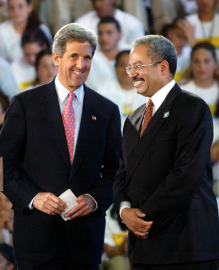 DEMOCRATIC PRESIDENTIAL CANDIDATE KERRY SMILES WITH CONGRESSMAN FATAH