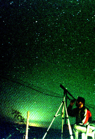Man observes Perseids in Jordan