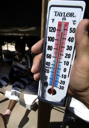 118 DEGREES ON THERMOMETER IN PHOENIX
