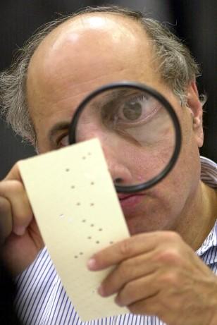 Image: Judge examining ballot