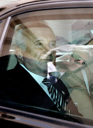 US ambassador to Italy Mel Sembler leave