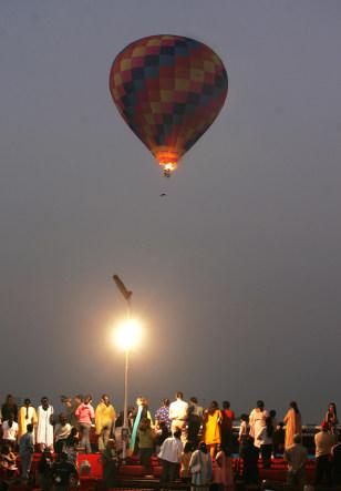 Image: Record-setting hot-air balloon