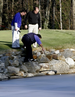 IMAGE: GOLFERS IN NEW HAMPSHIRE