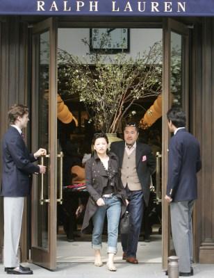 Image: Ralph Lauren shoppers in Japan
