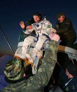 Image: Brazilian astronaut returns to earth