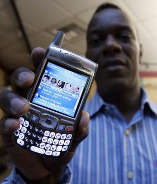 Microsoft exec holds Windows-based Palm Treo