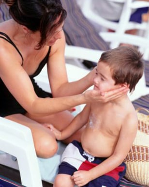 Image: use sunscreen in summer
