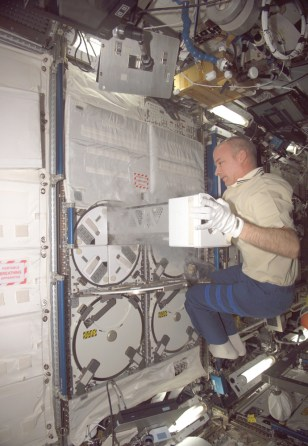 Image: Space station lab freezer