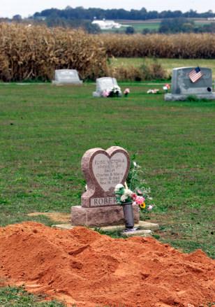 IMAGE: Roberts gravesite