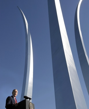 IMAGE: Bush at Air Force Memorial