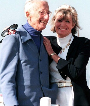 IMAGE: JACQUES AND FRANCINE COUSTEAU