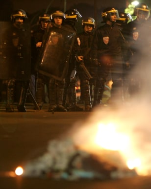 Image: French riot police