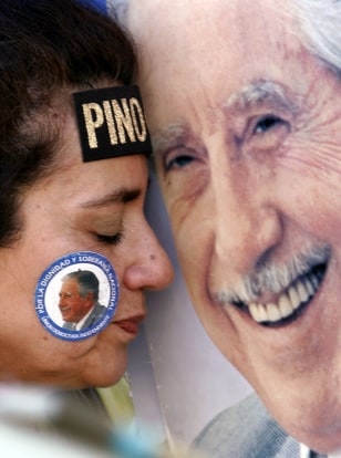 Image: Pinochet supporter