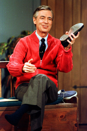 Wear A Sweater Honor Mr Rogers Today Entertainment Today Entertainment Celebs Today Com
