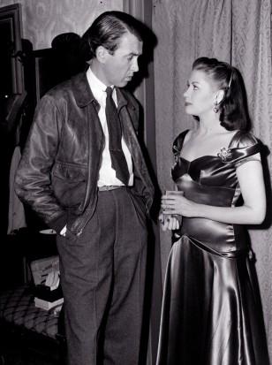 Image: Yvonne De Carlo, Jimmy Stewart
