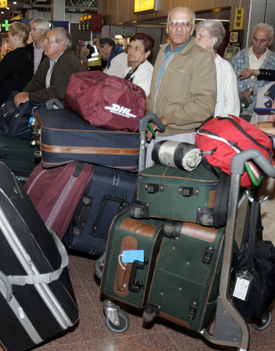 Image: Travelers at Heathrow