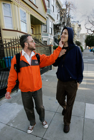 IMAGE: GAY PARTNERS IN CASTRO DISTRICT
