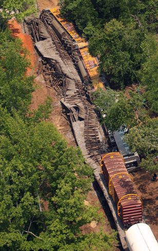 Image: Train derailed