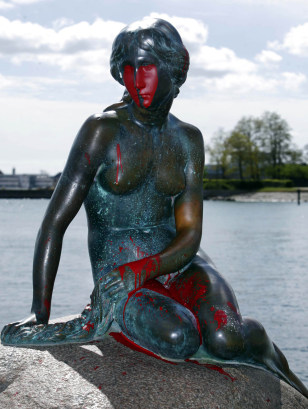 Image: Copenhagen's famed Little Mermaid statue