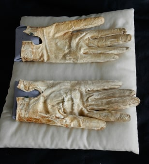 Image: Abraham Lincoln's bloodstained gloves and handkerchief