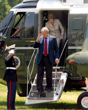 IMAGE: Bush returns to White house