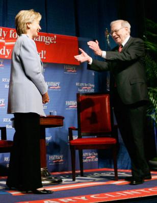 IMAGE: Sen. Clinton and Warren Buffett