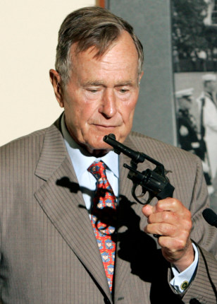 Elder Bush S Wwii Revolver Returned Us News Giving Nbc News