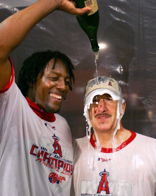 Image: Angels owner Arte Moreno, right, and Vladimir Guerrero