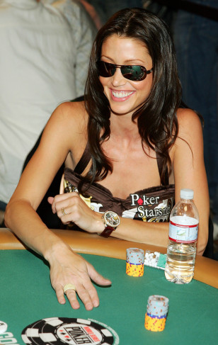 Image: Shannon Elizabeth at the 2007 World Series of Poker Ante Up For Africa tournament.