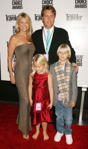 Image: Christie Brinkley and family