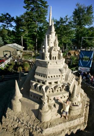 IMAGE: World's tallest sand castle