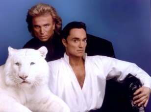 Image: Siegfried and Roy with white tiger