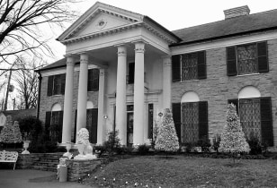 Image: Graceland, Elvis' mansion in Memphis.