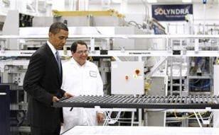 Image: Obama tours Solyndra