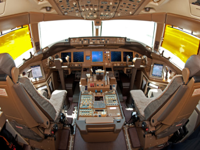 Image: The cockpit of a Boeing 777F