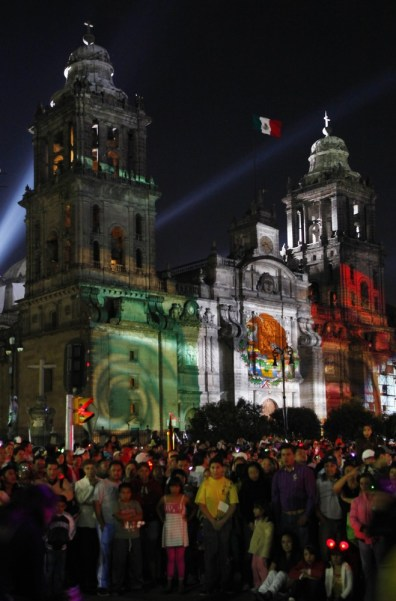 Image: Mexican flag is projected on the Metropolitan Cathedral