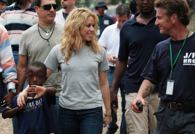Image: Sean Penn and Shakira