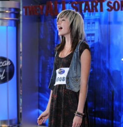 "Image: Emma on ""Idol"""