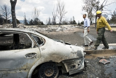 Image: President Barack Obama tours fire hit area