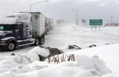 Image: Trucks stuck in snow