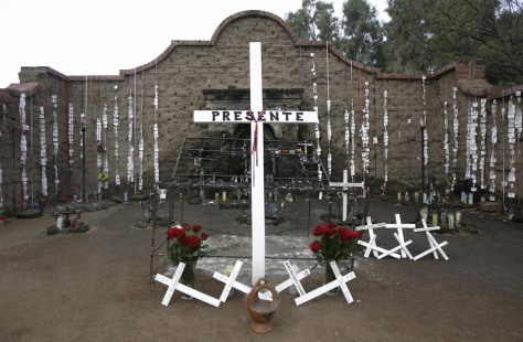 Image: memorial for those who died crossing border