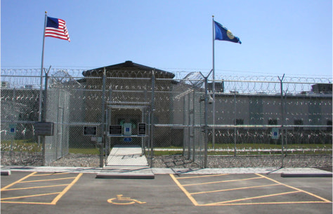 Image: Two Rivers Detention Facility in Hardin, Mont.