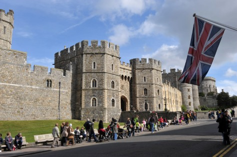 Couple Having Sex Outside Windsor Castle 57