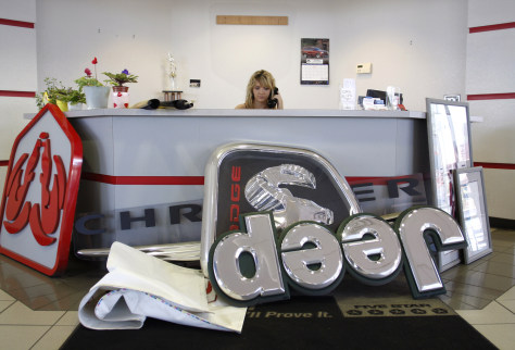 Image: Closing Chrysler Jeep Dodge dealership